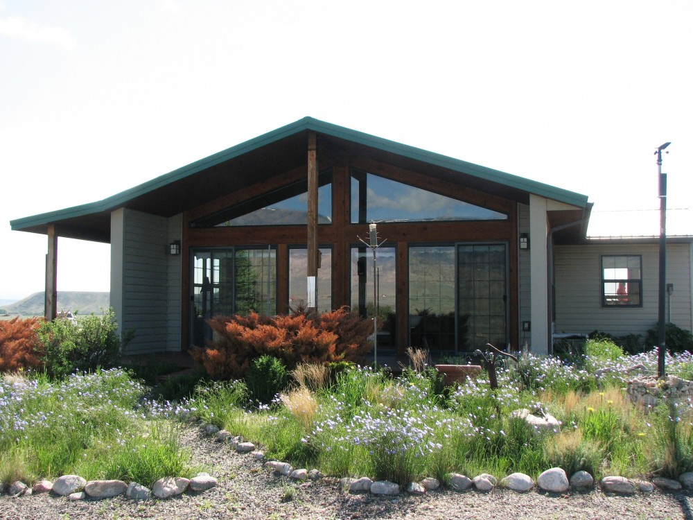 Sold western home for sale on 20 acres clark wyoming for Wyoming home builders
