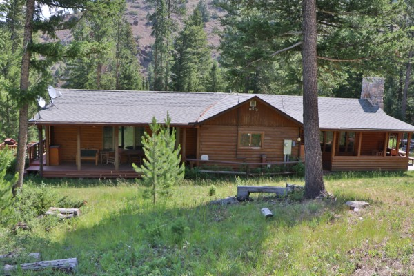 Wyoming Log Home for Sale